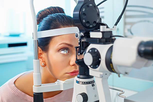 Операция глаукомы лазером